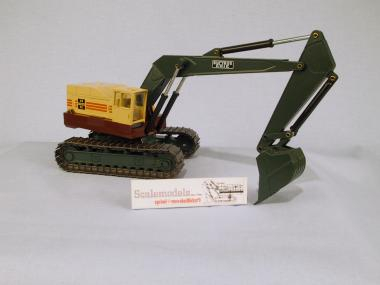 BUCYRUS-ERIE excavator 40-H with metal tracks