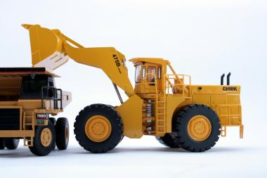 CLARK-MICHIGAN wheel loader 475B