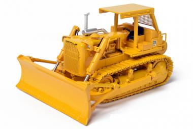 CAT Dozer D8K with Cannopy and winch