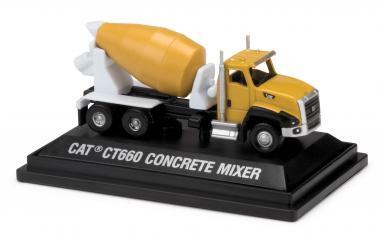 CAT CT660 mit Mischeraufbau