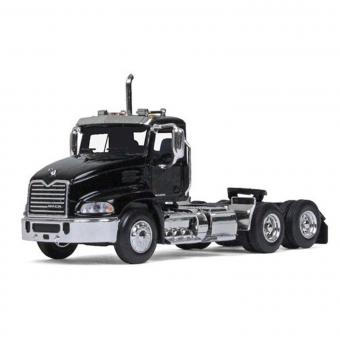 MACK Pinnacle DayCab, black