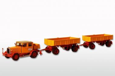 HANOMAG SS100 mit 2 Anhängern