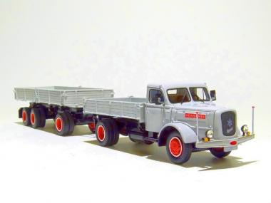 HENSCHEL HS140 mit Kipper, grau/rot