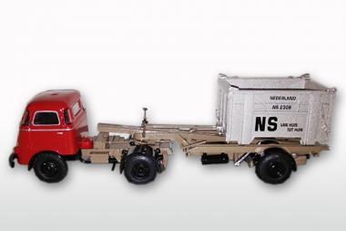 DAF T1300 DA met DAF Container LOSSER hoch, Coraldo