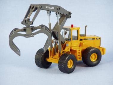 VOLVO Wheelloader L180C with High lift