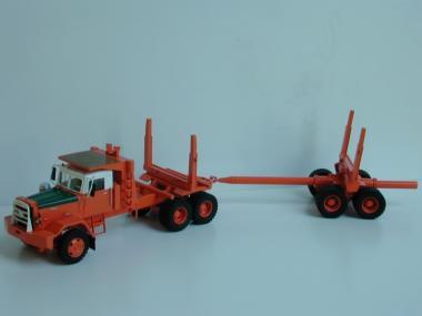 HAYES HD400 mit Dolly für Langholztransport