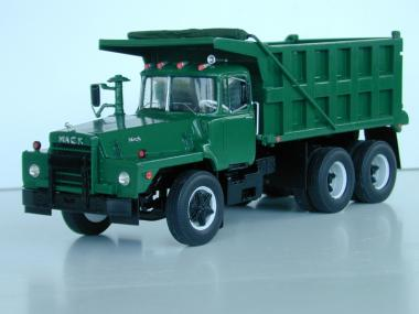 MACK DM800 3axle Dump Truck, green