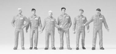 6 figures: Monteure, white