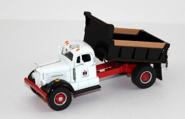 WHITE WC22 2axle Dump Truck
