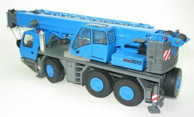 GROVE 3achs Autokran GMK 3055, blau