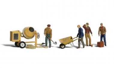 Bauarbeiter mit Schubkarre und Mischmaschine