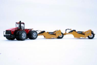 CASE IH / STEIGER Traktor 485 mit 2x MISKIN Anhängerscraper D19