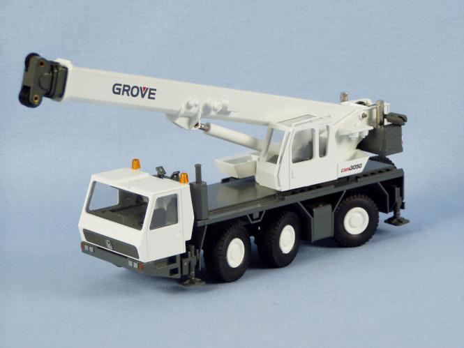 GROVE 3achs Autokran GMK 3050, weiß