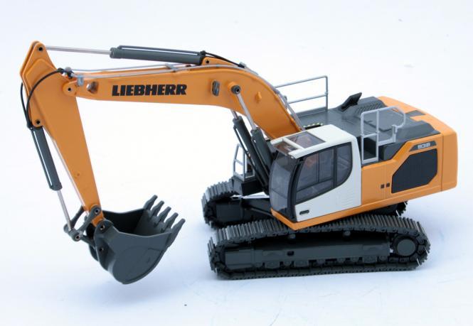 LIEBHERR Excavator R938V