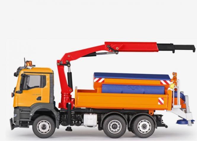 MAN TGS 6x2 mit Schneeschild, Streuaufbau und PALFINGER Kran