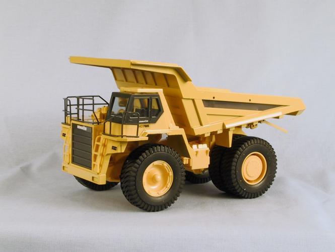 KOMATSU Muldenkipper HD785
