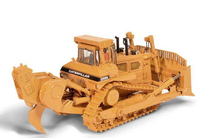 CAT Dozer D11N with SU-Blade and Impact-Ripper