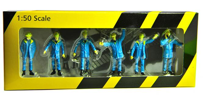 Figures: 6 Engineer Dolls