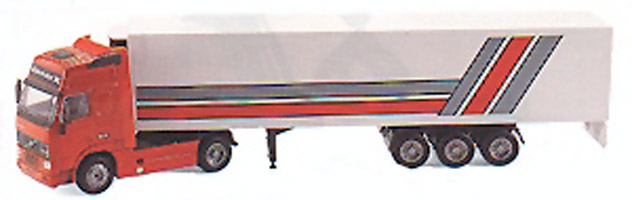 VOLVO FH16 Globetrotter XL mit Kühlauflieger
