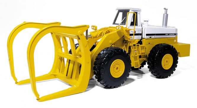 INTERNATIONAL Payloader 560 with tree fork