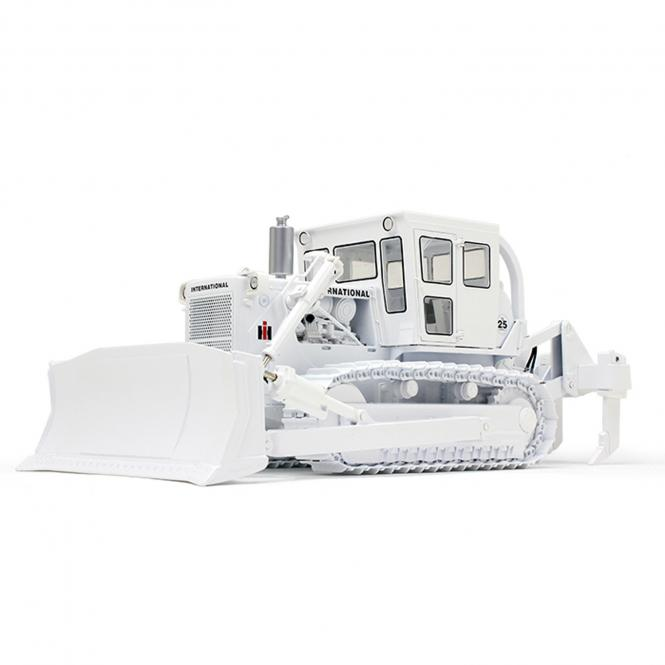 INTERNATIONAL Dozer TD-25 with closed cab, U-Blade and Ripper, white