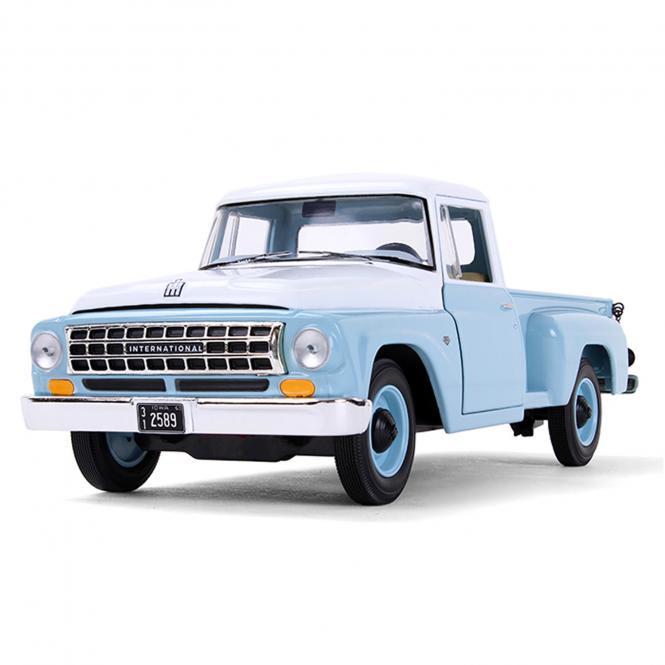 INTERNATIONAL Pickup C1100 von 1963, blau