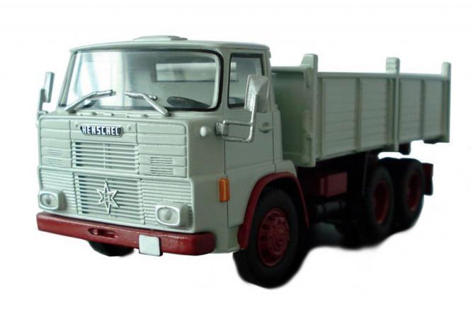 HENSCHEL F221 3achs Kipper, grau-rot (vor 1968)