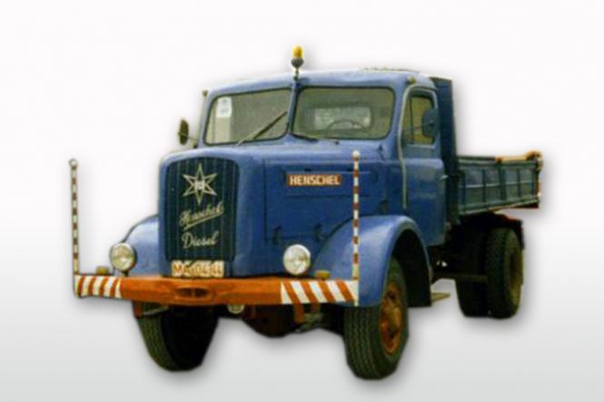 HENSCHEL HS140 mit Kipper, blau