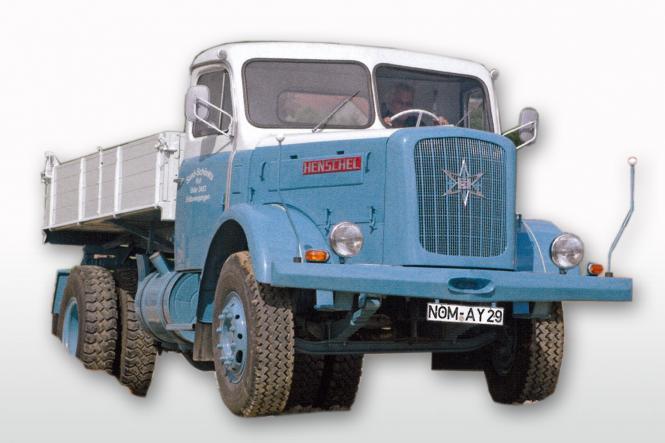 HENSCHEL HS140 mit Kipper, blau/weiß