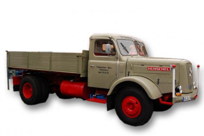 HENSCHEL HS140 mit Kipper, olivgelb/rot