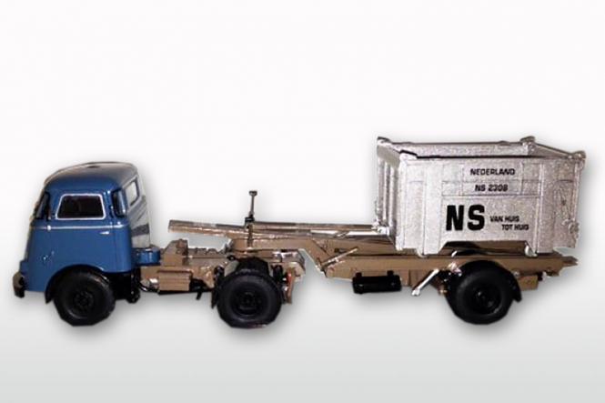 DAF T1300 DA met DAF Container LOSSER niedrig, Nautica
