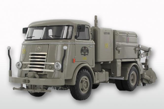 DAF T1300 DA265 mit GEESINK Kehraufbau (Groningen mit 6 Rippen Kühler)