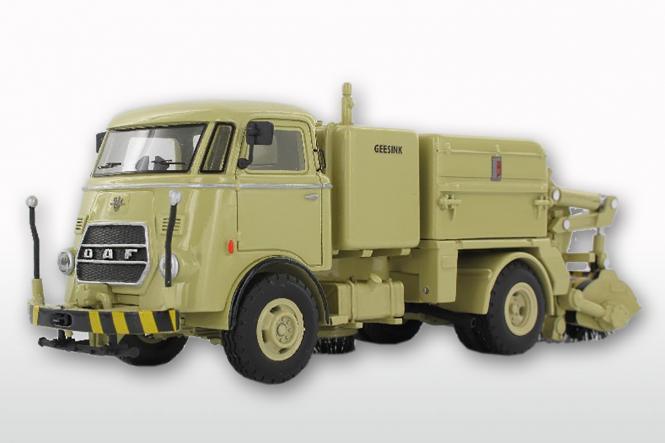 DAF T1300 DA265 mit GEESINK Kehraufbau ( mit Trapezfront), beige