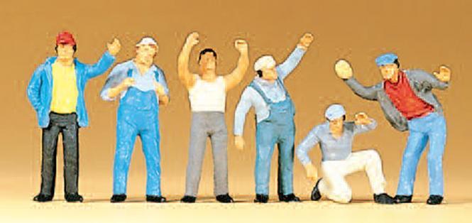 6 Figuren: stehende LKW Fahrer