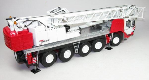 GROVE 5achs Autokran GMK5165-2, rot-weiß