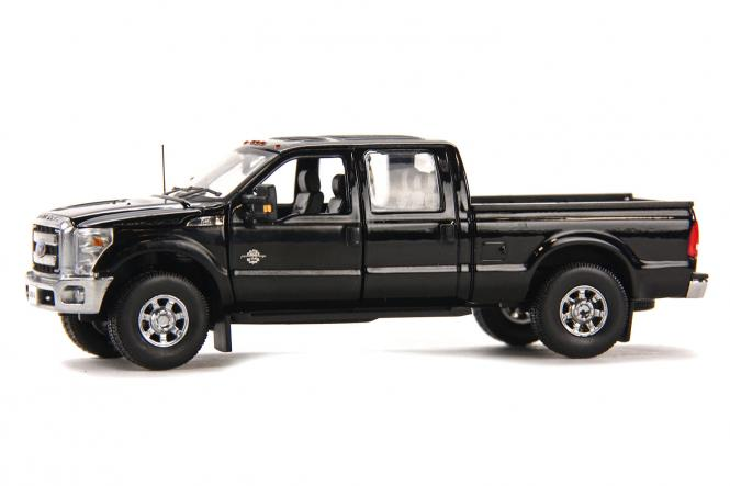FORD F250 Pickup with Crew Cab & 6ft Bed, black/chrome