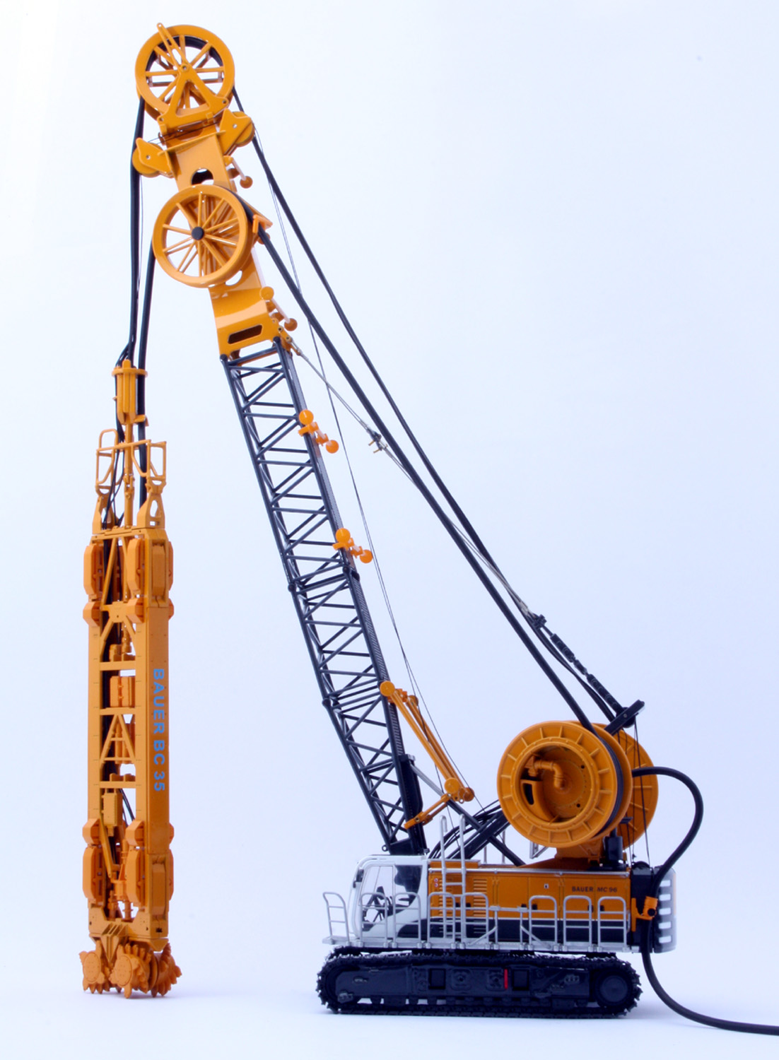 Www Scalemodels De Bauer Cable Crane Mc96 With Trench
