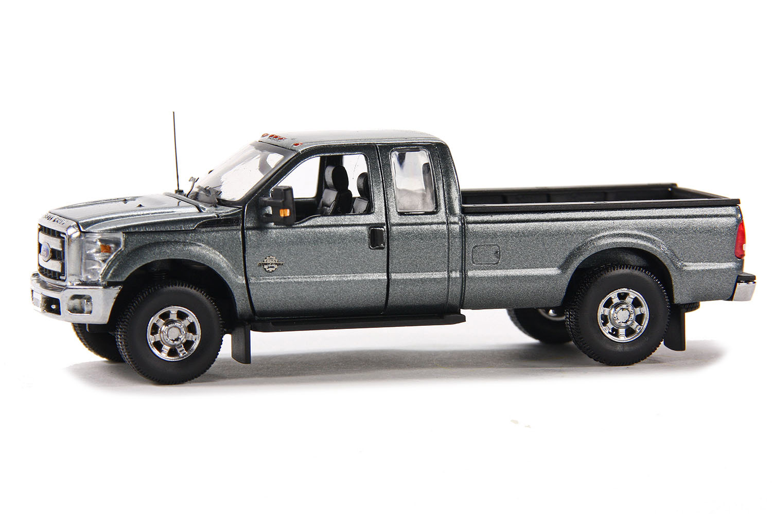 spiel modellkist 39 l shop ford pick up f250 xlt 8 39 bett grau online kaufen. Black Bedroom Furniture Sets. Home Design Ideas