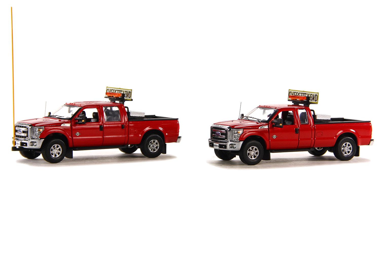 spiel modellkist 39 l shop ford f250 pickups 2 begleitfahrzeuge rot chrom online kaufen. Black Bedroom Furniture Sets. Home Design Ideas